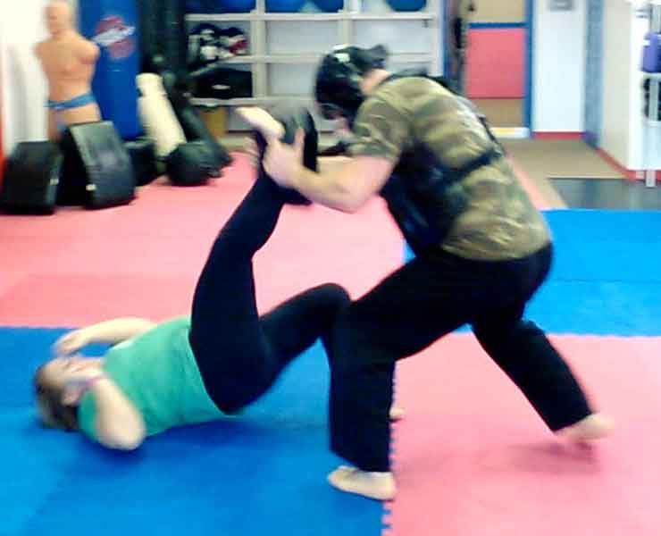 grappling demonstration in Mike Prices Self defense class