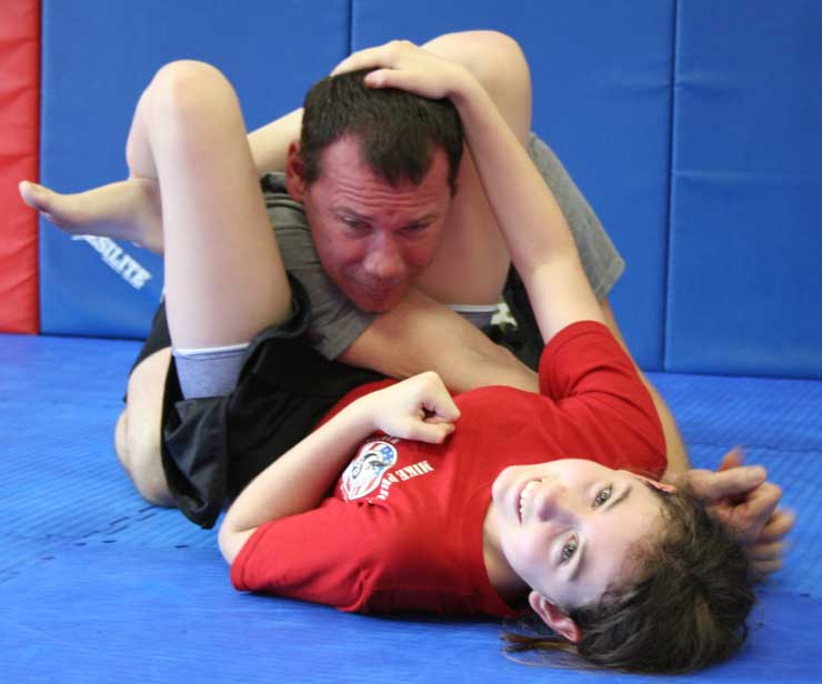 triangle choke demonstration by donnie